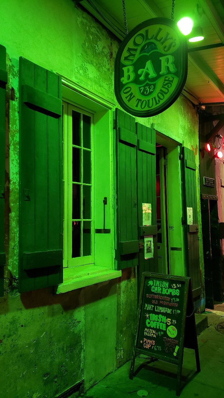 Molly`s Irish Pub